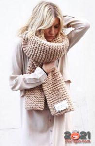 Модный шарф 2021 года