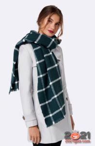 Модный клетчатый шарф 2021 года