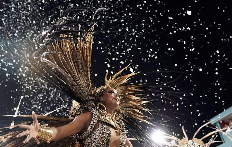Костюмы на карнавале в Бразилии