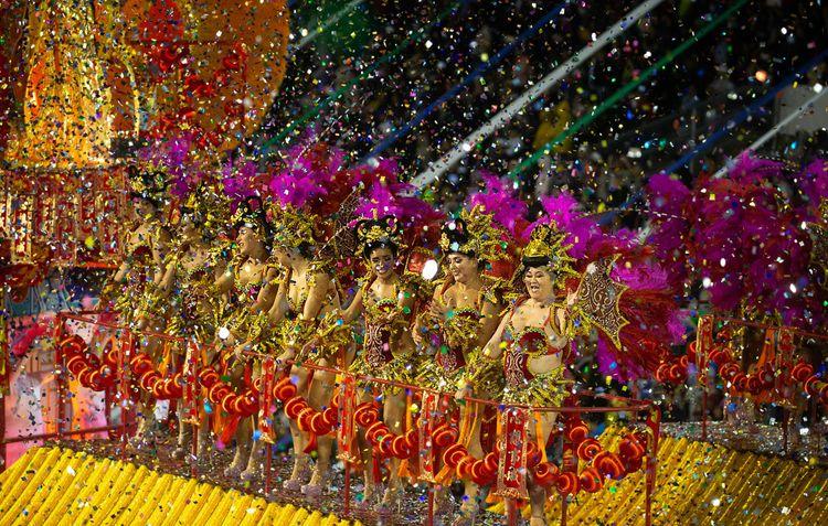 Карнавальное шествие в Рио