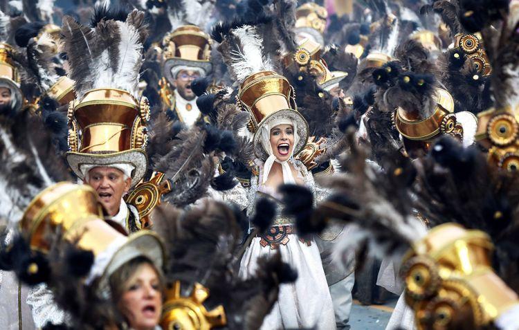 Участники карнавала в Рио