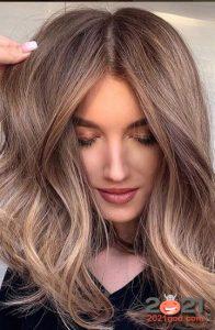 Мелирование на 2021 год - шатуш на русые волосы