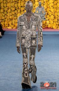 Модные брюки-клеш 2021 года
