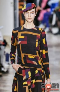 Модная цветная кепка на 2021 год