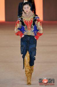 Прямая джинсовая юбка с разрезом и карманами осень-зима 2020-2021