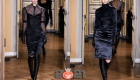 Модная атласная юбка-карандаш на 2021 год