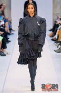 Асимметричная юбка с рюшами на 2021 год