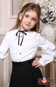 Классические школьные блузки на 2021 год