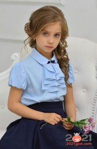 Модные цветные блузки для школы на 2021 год