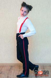 Модные брюки с яркими лампасами - мода для школы на 2021 год