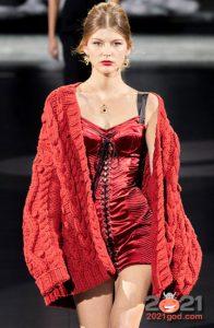 Модный красный кардиган на зиму 2020-2021