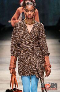 Модный меланжевый кардиган под пояс на зиму 2020-2021
