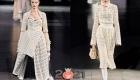 Модное белое вязаное платье на зиму 2020-2021