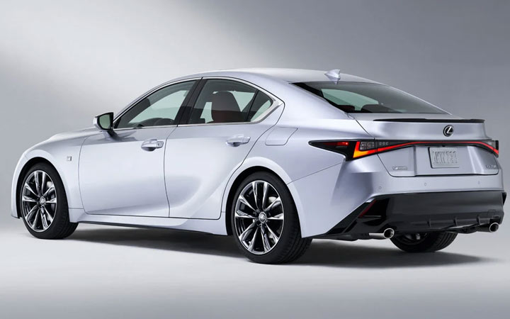 Комплектации Lexus IS 2021