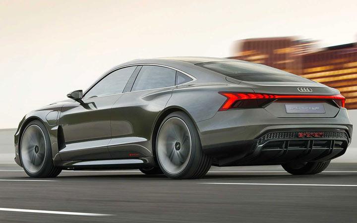 Новый Audi E-Tron GT 2020-2021 года