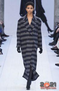 Полосатое пальто Макс Мара осень-зима 2020-2021 года