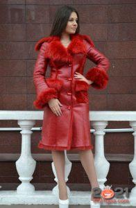 Модная красная дубленка зима 2020-2021