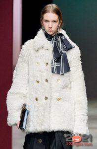 Белая шуба - мода сезона осень-зима 2020-2021