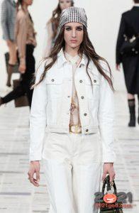 Куртка из белого денима осень-зима 2020-2021