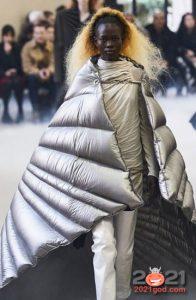 Пуховик-одеяло Rick Owens осень-зима 2020-2021