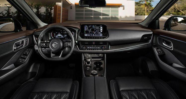 Салон Nissan X-Trail 2021 года