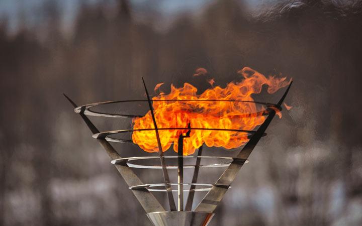 Праздник Севера в Мурманске в 2021 году олимпийский огонь