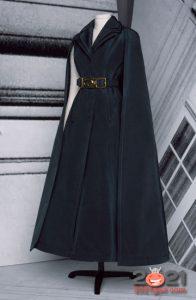 Модный кейп от Диор коллекция Haute Couture зима 2020-2021
