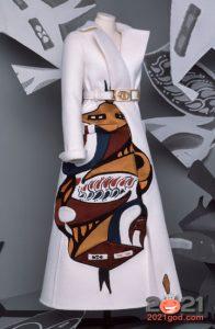 Белое пальто Диор коллекция Haute Couture зима 2020-2021