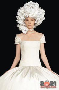 Высокая мода Валентино зима 2020-2021 - шляпа букет