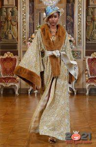 Роскошный халат от Dolce & Gabbana зима 2002-2021