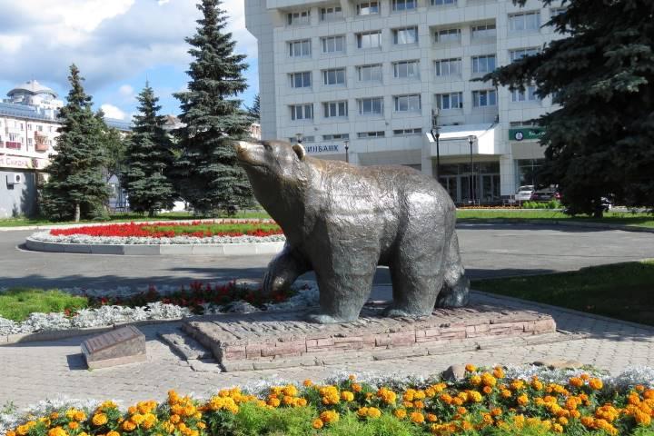 Памятник Идущему медведю