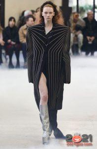 Модные женские сапоги цвета металлик - тренд зимы 2020-2021