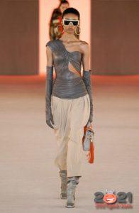 Модные женские сапоги цвета серебро - тренд зимы 2020-2021