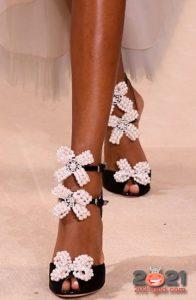 Туфли с бантиками - модные тренды обуви в 2021 году