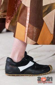 Стильные кроссовки для женщин на 2021 год