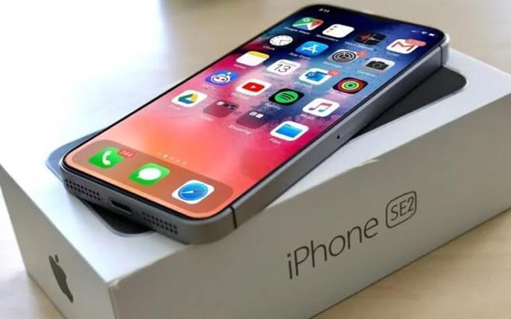 iPhone SE 2 (2020 год)
