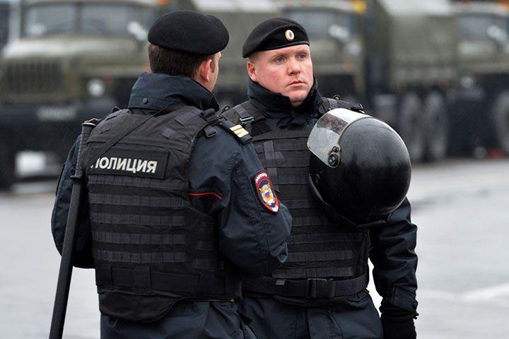 Полицейские на службе