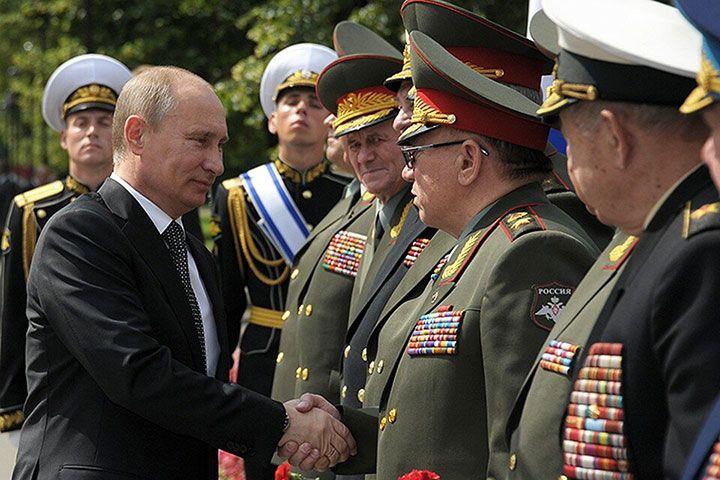 Путин и офицеры