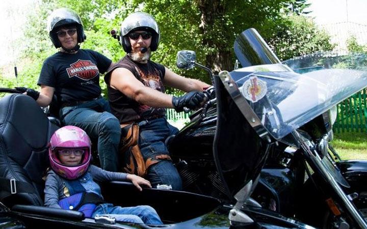 Как и с какого возраста можно воизить ребенка на мопеде и мотоцикле в 2021 году