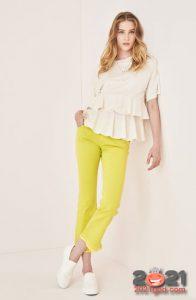Модные яркие джинсы весна-лето 2021