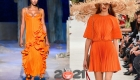 Модные оранжевые платья весна-лето 2021