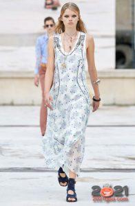Модные платья весна-лето 2021 с цветочным принтом