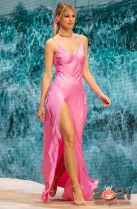 Модные вечерние платья весна-лето 2021 в бельевом стиле
