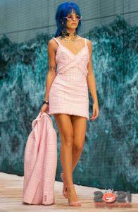 Модные короткие платья весна-лето 2021 в бельевом стиле