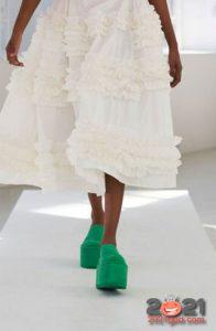 Модные цветные туфли на платформе весна-лето 2021 года