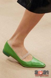 Модные туфли без на ровном ходу весна-лето 2021 года