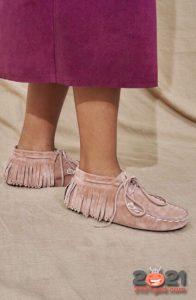 Модные замшевые туфли без каблука с бахромой весна-лето 2021 года