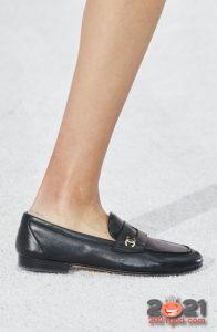 Модные туфли без каблука весна-лето 2021 года