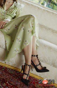 Модные туфли с узкими ремешками и заклепками на весну и лето 2021 года