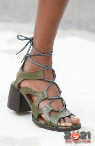 Модные туфли с широким устойчивым каблуком весна-лето 2021